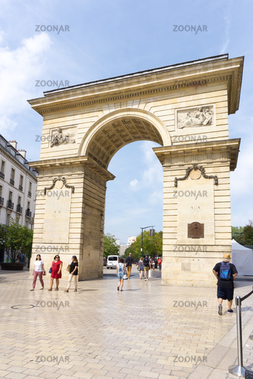 view of the Porte Guillaume Arch and Gate in Dijon near the Darcy Square