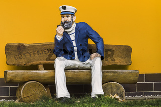 Der Seemann auf der Bank