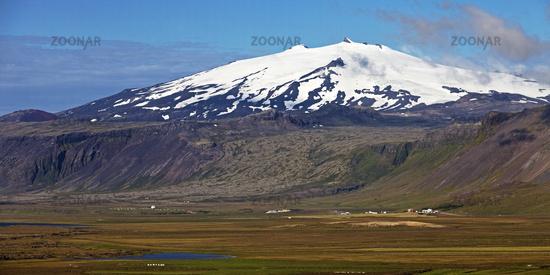Snow-covered volcano and glacier Snæfellsjökull, Snæfellsnes peninsula, Iceland, Europe