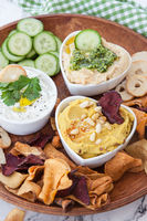 Hummus and veggie chips