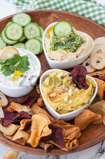 Hummus und Quark zum dippen