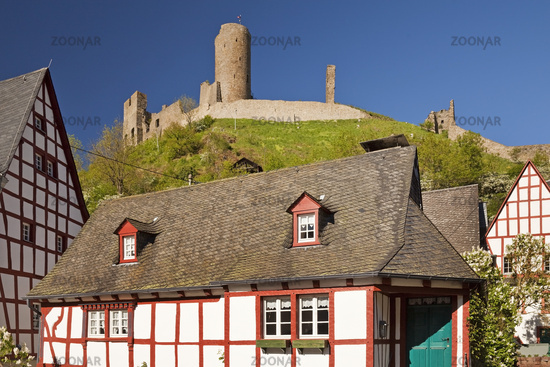 Historic town center with half-timbered houses and the ruins of the Lion Castle, Monreal, Germany
