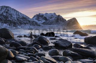 Surfer auf den Lofoten