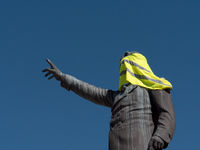 Yellow Vest high on the memorial Francois Aragon, Pergignan