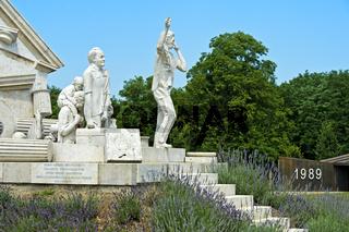 Der Durchbruch - Statue der Europäischen Freiheit am einstige Eisernen Vorhang, Fertörakos, Ungarn