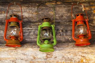 Finnland, finnisch Lappland, bunte Öllampen