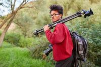 Professioneller Landschaftsfotograf in der Natur