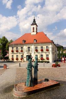 Brunnen vor Rathaus