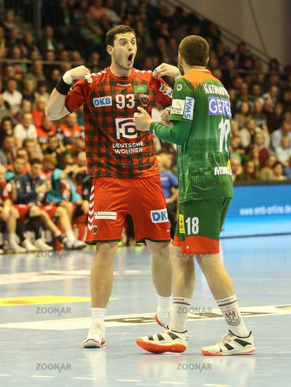 Mijajlo Marsenic (Füchse Berlin) and Filip Kuzmanovski (SC Magdeburg)