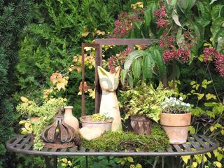 Gartentisch dekoriert
