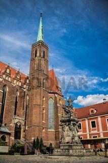 Wroclaw, Kreuzkirche und Nepomuk-Denkmal