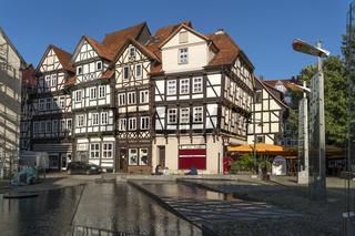 Wasserbecken des Projektes Wasserspuren in der Altstadt von Hann. Münden