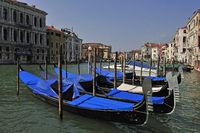 Gondolas Canal Grande