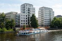 Berlin, Deutschland, Neue Wohnbauten entlang der Spree in Moabit