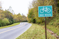 Bike route sign on Natchez Trace National Parkway