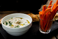 humus with carrots