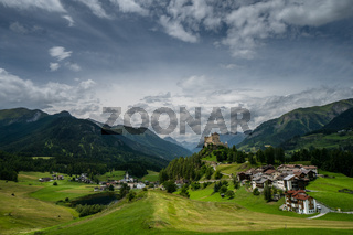 Tarasp village and castle panorama