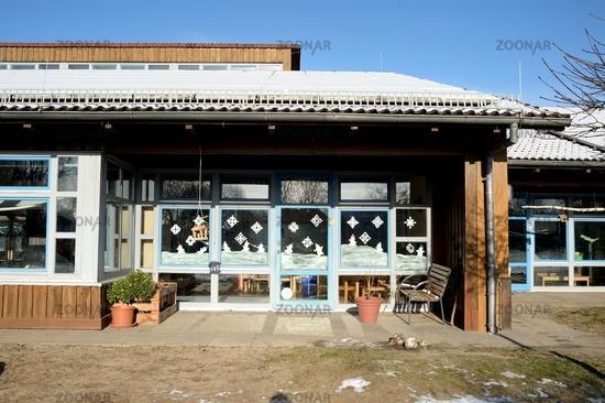 kindergarten, entrance from the outside
