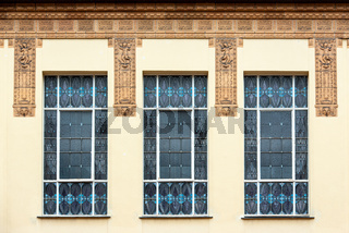 Fenster in der Jugendstilanlage Sprudelhof in Bad Nauheim
