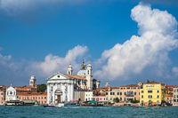 Blick auf die Kirche Santa Maria del Rosario in Venedig, Italien