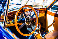 Wooden steering wheel and a dashboard
