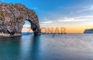 Die Durdle Door an der Jurassic Coast in Dorset