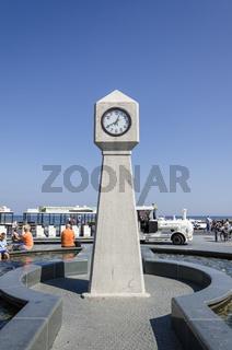 Uhr an der Seebrücke Binz