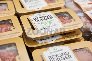 KÖLN, OKTOBER 2019: Beyond Burger von Beyond Meat auf ANUGA Messe