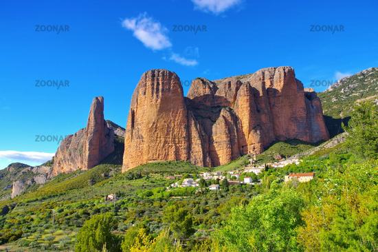 Mallos de Aguero in Aragon, Spanien - Mallos de Aguero in Aragon, Spain