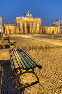 Der Pariser Platz in Berlin im Morgengrauen