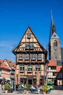Quedlinburg, Fachwerk und Benediktikirche