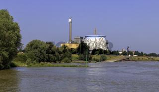 Nie in Betrieb gegangenes Atomkraftwerk Kalkar, heute Freizeit-Wunderland