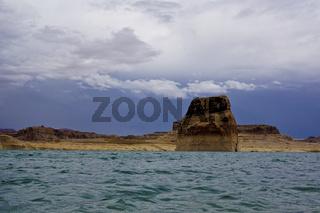 lake powell column island