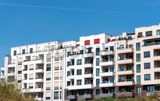 Neue moderne Mehrfamilienhäuser