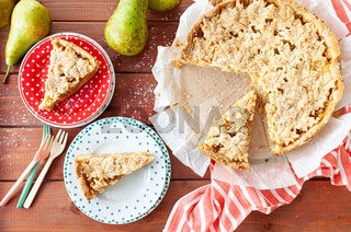 Frischer Obstkuchen aus Muerbeteig