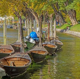 Boote am Hochrhein bei Schaffhausen, Schweiz