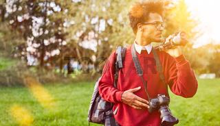 Professioneller Fotograf macht Landschaftsfotografie