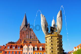 Barth Brunnen, eine alte Stadt am Bodden in Deutschland -well in Barth, an old town on the Bodden in Germany