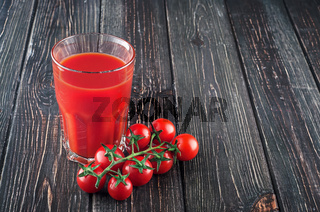 Tomato juice and cherry tomatoes