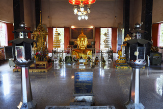 Bick in den Innenraum,  Tempel Wat Phra Thong, Phuket, Thailand