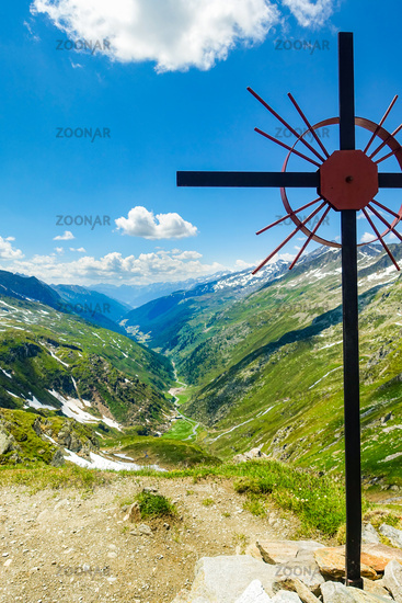 Kreuz at the Birnlückenhütte, panoramic view in direction Prettau, South Tyrol, Italy