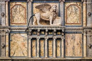 Scuola Grande di San Marco mit Markuslöwe