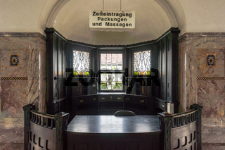 Wartesaal im Badehaus 5 in der Jugendstilanlage Sprudelhof