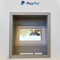 KÖLN, September 2019: PayPal Geldautomat auf DMEXCO
