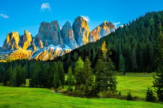 Magnificent serrated cliffs