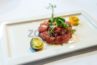 A plate of delicious tuna tartare