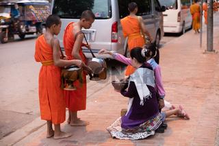 Tak Bat, Luang Prabang, Laos.