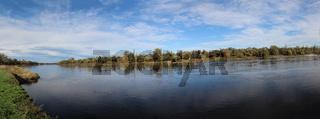 Die Elbe bei Aken an der Elbe