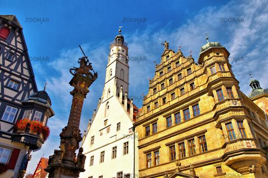 Rothenburg Rathaus und Rathausturm - Rothenburg town hall and white tower