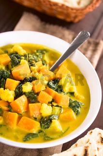 Cauliflower Pumpkin and Spinach Curry